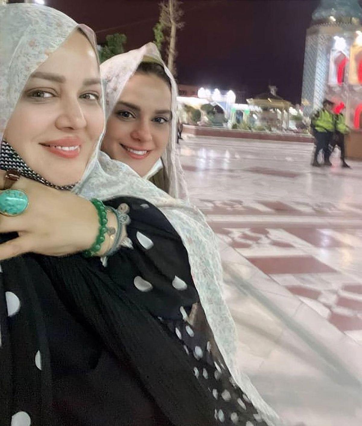 احیای بهاره رهنما و دوستش در حرم امام زاده صالح+عکس