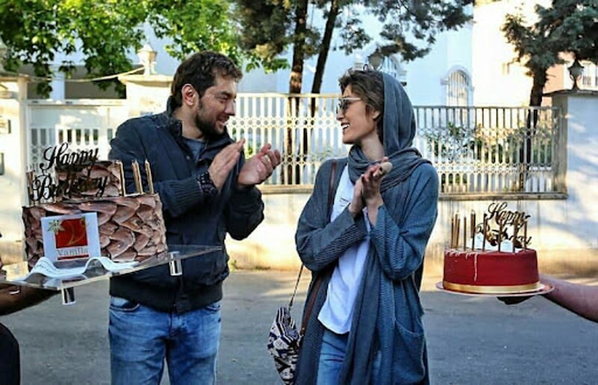 خوشگذرانی فرشته حسینی با لباس بدن نما در کنار بهرام رادان / عکس