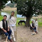 همسر بابک جهانبخش در طبیعت با تیپ عجیب+ عکس