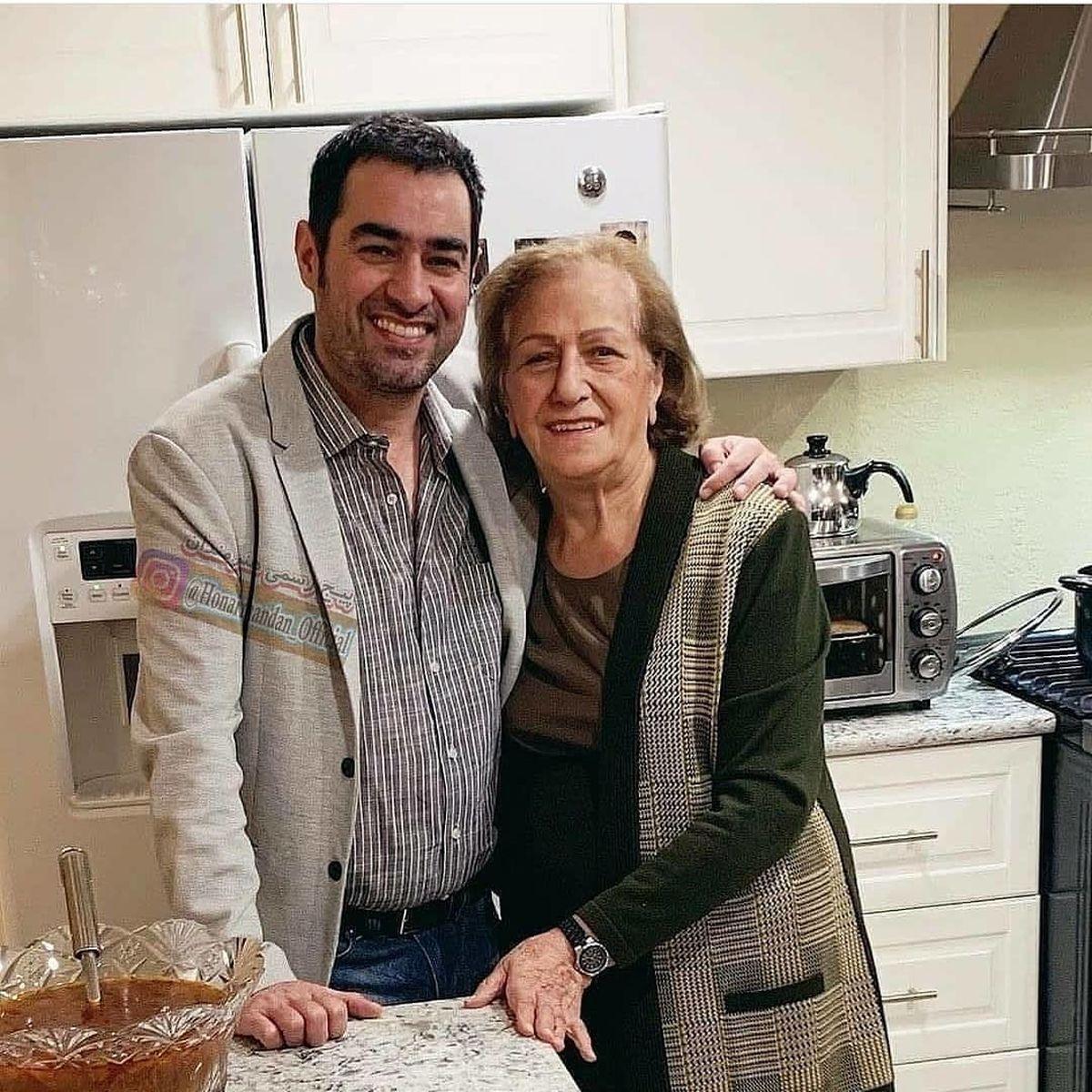 شهاب حسینی در آغوش مادر بی حجابش+عکس