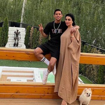 پیراهن چسبان و ناجور همسر مهدی قائدی در قایق ! + عکس