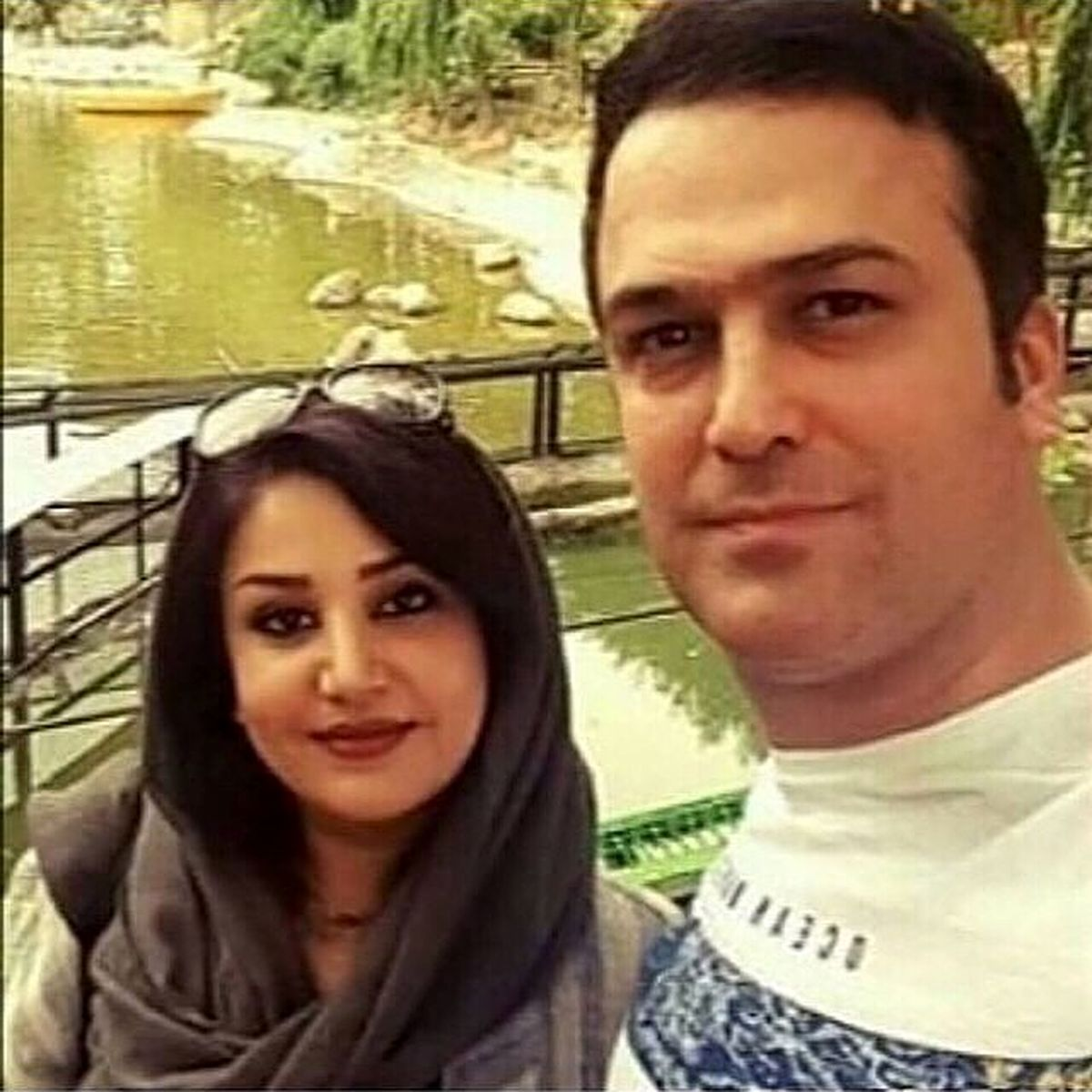 گشت و گذار حامد آهنگی و همسرش در طبیت +عکس