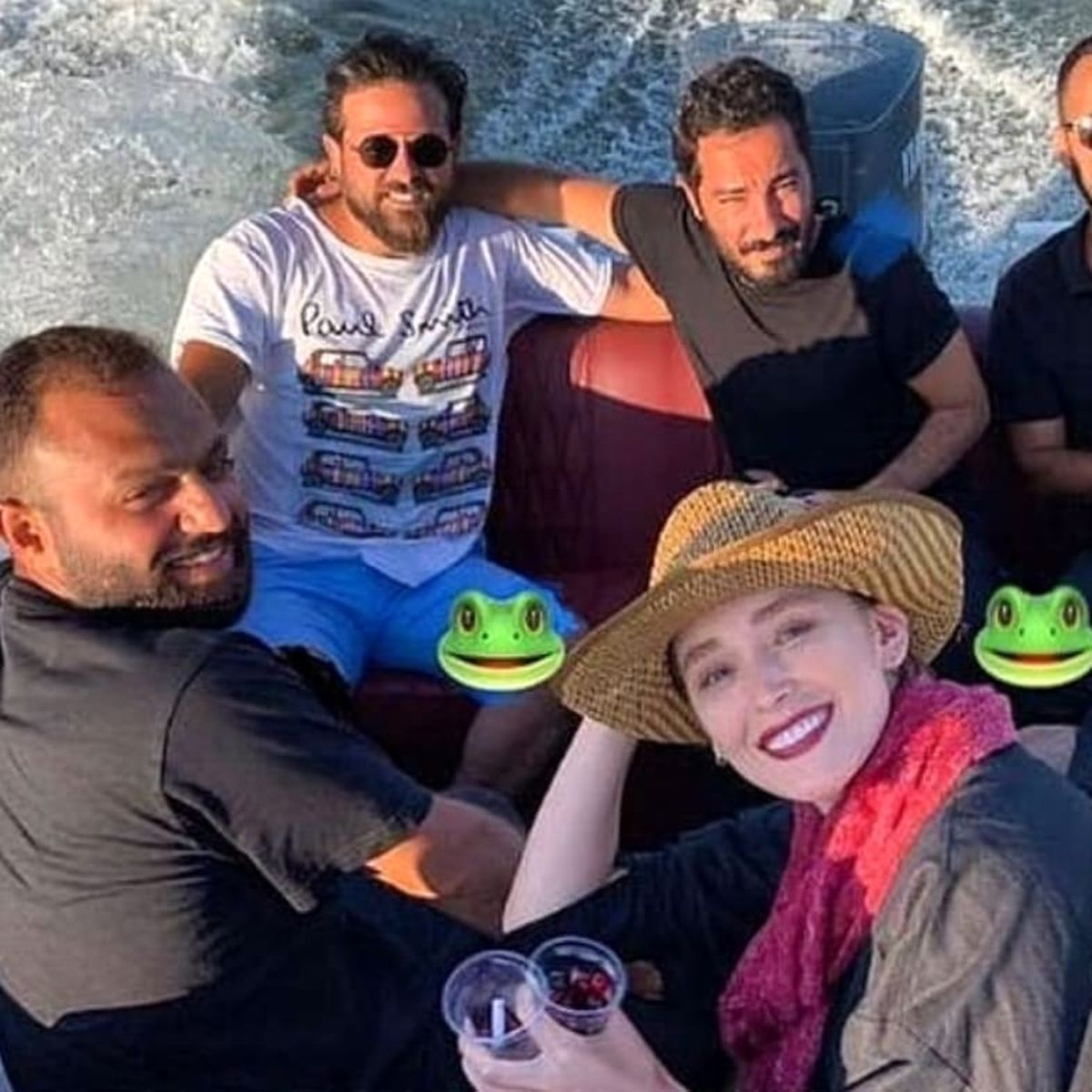 لباس های ناجور فرشته حسینی و نوید محمدزاده وسط دریا ! + عکس