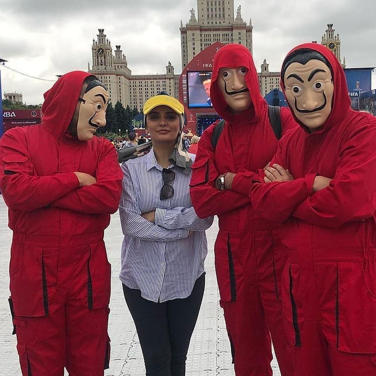 لیندا کیانی با شلوار تنگ در خیابان +عکس