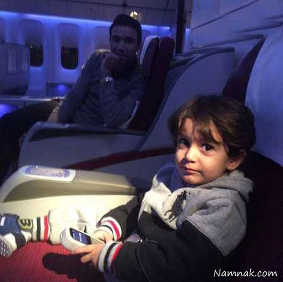 جواد نکونام و پسرش سوار بر هواپیمای فوق لاکچری + عکس