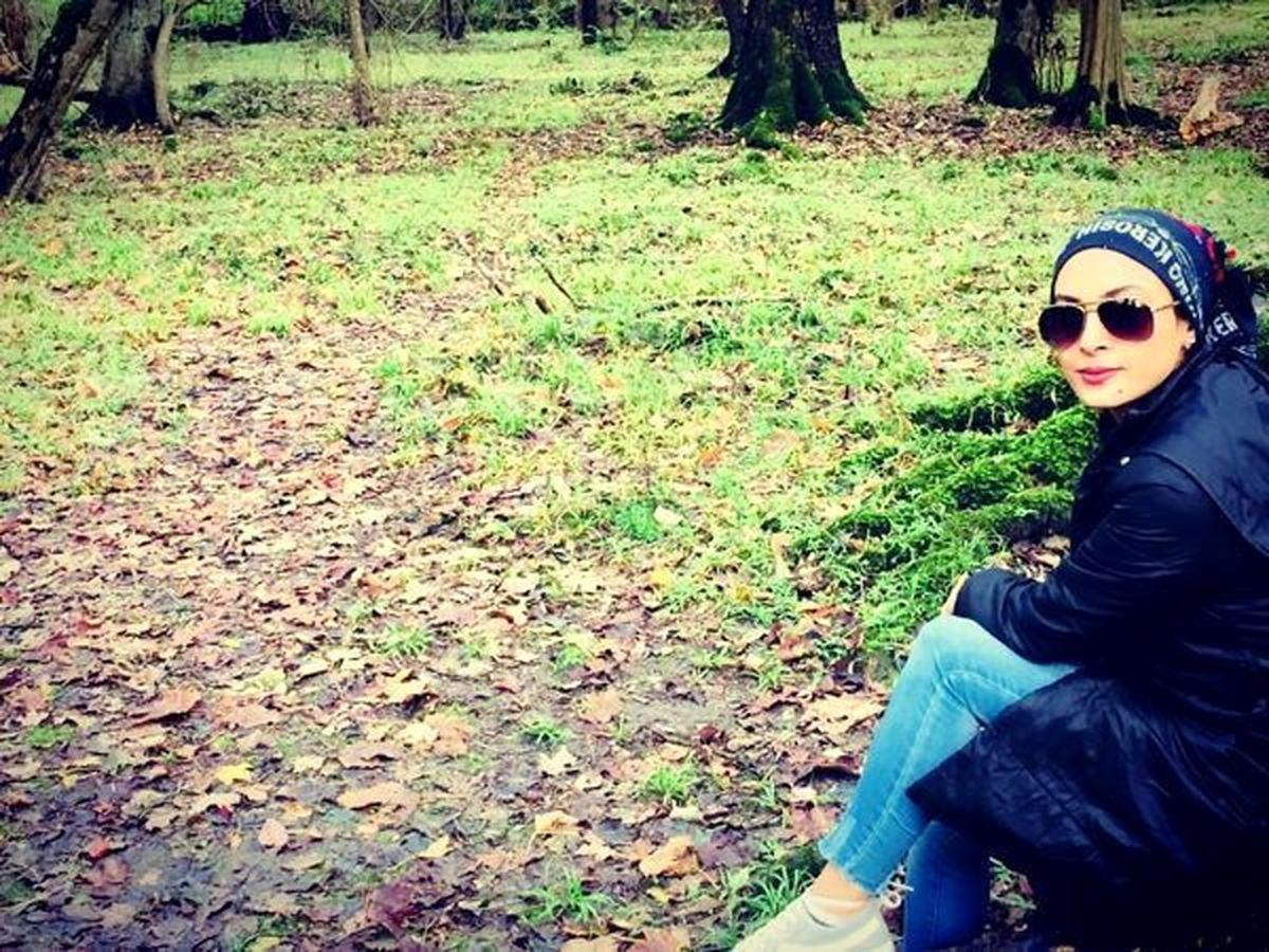 شلوار تنگ و کوتاه حدیثه تهرانی در باغ + عکس