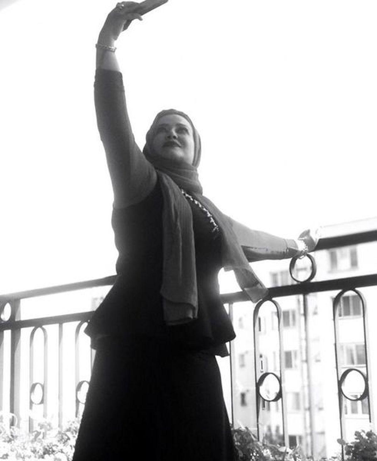 بولیز و دامن تنگ و چسبان بهاره رهنما + عکس