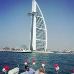 تفریح لاکچری رضا قوچان نژاد در کنار برج العرب + عکس