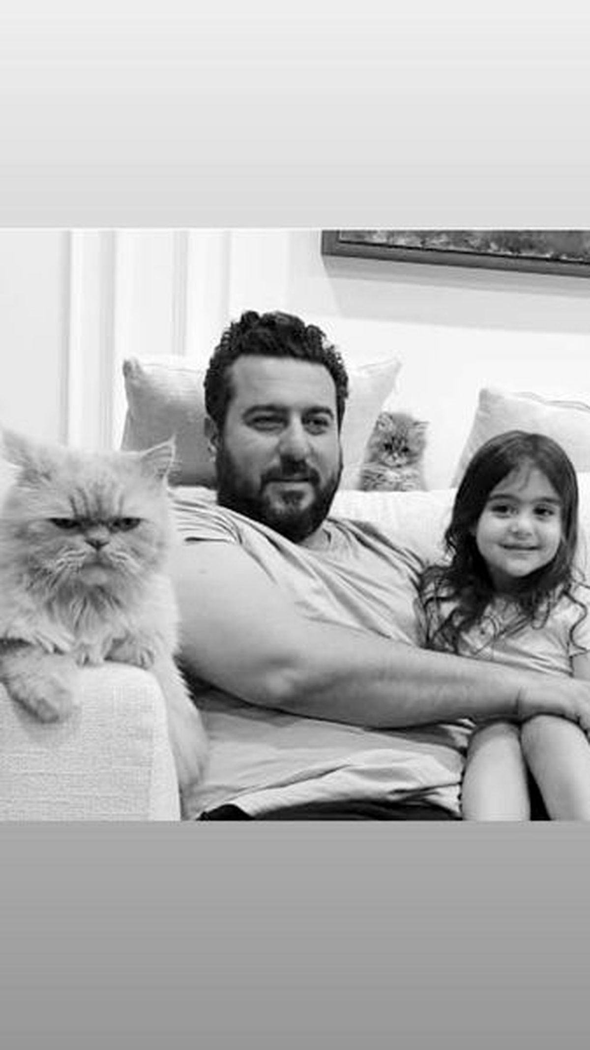 گربه های بامزه محسن کیایی در خانه لوکسش+عکس