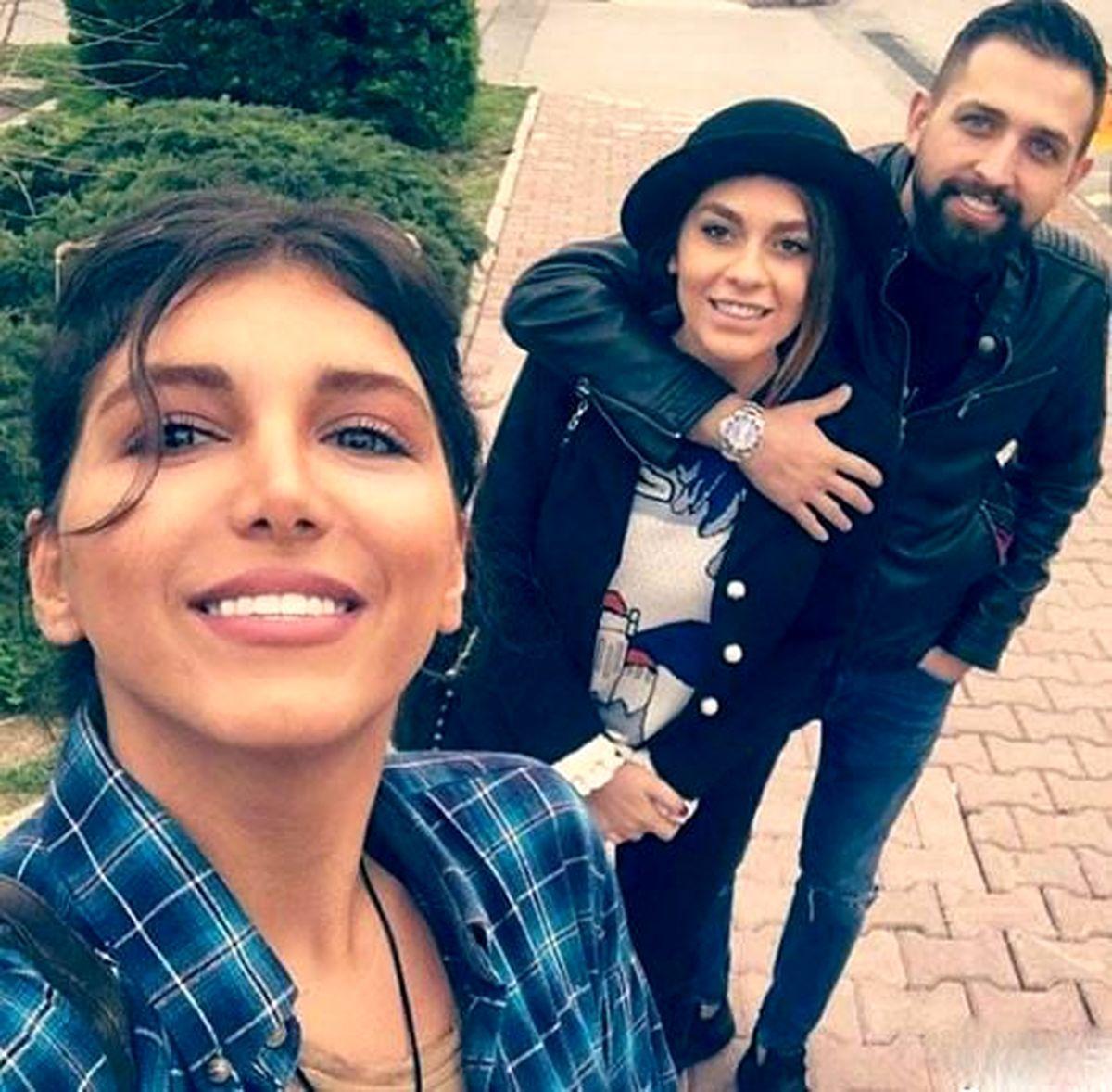 همسر جوان محسن افشانی در آغوشش + عکس